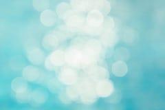 Il fondo verde blu astratto della sfuocatura, wallpaper l'onda blu con la s Fotografia Stock Libera da Diritti