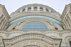 Il frammento architettonico della cattedrale navale di San Nicola in Kronštadt Fotografie Stock Libere da Diritti