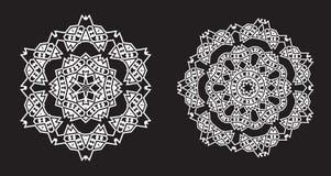 Il frattale etnico Mandala Vector assomiglia al fiocco di neve o a Maya Aztec Immagini Stock Libere da Diritti
