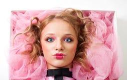 Il fronte di una bambola della donna risiede in casella immagini stock libere da diritti