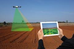 Il fuco per l'agricoltura, uso del fuco per vari campi gradisce l'analisi della ricerca, la sicurezza, salvataggio, la tecnologia Fotografie Stock
