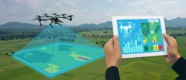 Il fuco per l'agricoltura, uso del fuco per vari campi gradisce l'analisi della ricerca, la sicurezza, salvataggio, la tecnologia immagini stock