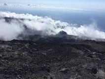 Il fumo del chiodo da roccia de la Fournaise immagini stock libere da diritti