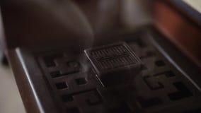 Il fumo di incenso nel Mo lento video d archivio