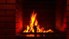 Il fuoco brucia nel camino nel salone immagine stock