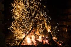 Il fuoco nella fornace Fotografie Stock Libere da Diritti