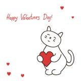 Il gattino adorabile della cartolina d'auguri tiene il cuore per il biglietto di S. Valentino della st del giorno Fotografia Stock Libera da Diritti