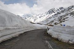 Il Gavia di Passo, 2621m, è un passaggio di alta montagna nelle alpi italiane Fotografie Stock Libere da Diritti