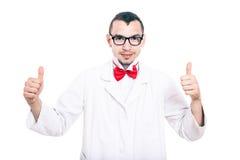 Il geek felice del laboratorio sfoglia su Fotografia Stock Libera da Diritti