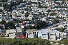 Il gemello alza San Francisco verticalmente fotografia stock
