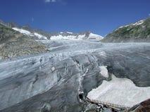 Il ghiacciaio di Rhone con ghiaccio frana la Svizzera Fotografia Stock