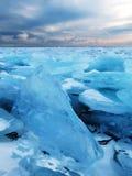 Il ghiaccio del lago Baikal Immagini Stock