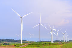 Il giacimento della turbina del mulino a vento Fotografie Stock