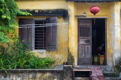 Il giallo alloggia la facciata in Hoi An Vietnam Immagine Stock