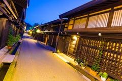 Il giapponese tradizionale di fila alloggia Takayama Città Vecchia Fotografia Stock