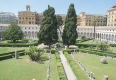 Il giardino dei bagni di Diocleziano a Roma Fotografie Stock Libere da Diritti