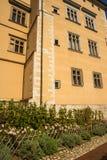 Il giardino del castello reale di Wawel e cattedrale a Cracovia Polonia Fotografie Stock
