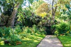 Il giardino di Monceau a Parigi Fotografia Stock Libera da Diritti