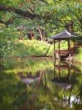 Il giardino segreto leggendario dietro Royal Palace Immagine Stock Libera da Diritti