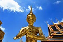 Il gigante in tempiale tailandese. Fotografia Stock