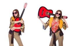 Il giocatore di chitarra alto isolato su bianco Fotografie Stock Libere da Diritti