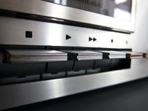 Il giocatore stereo della piattaforma del nastro a cassetta gestisce il primo piano Immagini Stock Libere da Diritti