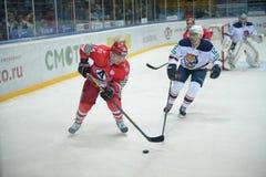 Il gioco fra i club dell'hockey fotografie stock libere da diritti