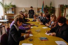 Il giorno dell'insegnante in una scuola rurale nella regione di Kaluga di Russia Fotografia Stock Libera da Diritti