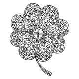 Il giorno di San Patrizio dell'acetosella del trifoglio dello zentangle di scarabocchio isolato Immagine Stock