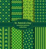 Il giorno di St Patrick felice! Insieme dei modelli senza cuciture di vettore illustrazione di stock