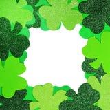 Il giorno di St Patrick. Pagina dell'acetosella isolata Fotografie Stock