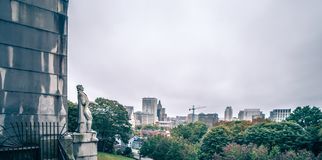 Il giorno e l'autunno nuvolosi condiscono sopra provvidenza Rhode Island immagine stock