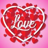 Il giorno felice del ` s del biglietto di S. Valentino, la carta rossa dei cuori ha tagliato il fondo Fotografie Stock Libere da Diritti