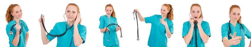 Il giovane apprendista medico con lo stetoscopio isolato su bianco Immagine Stock