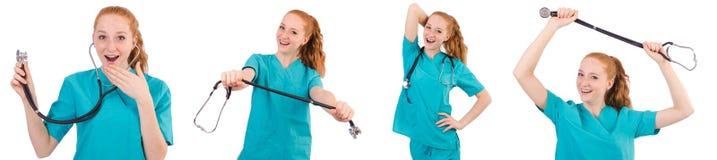 Il giovane apprendista medico con lo stetoscopio isolato su bianco Immagini Stock Libere da Diritti