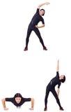 Il giovane che fa gli esercizi su bianco Fotografie Stock