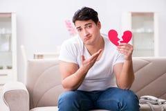 Il giovane nel concetto triste del biglietto di S. Valentino del san Fotografia Stock Libera da Diritti
