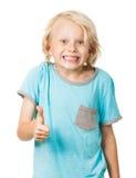 Il giovane ragazzo sveglio dà i pollici su Fotografia Stock Libera da Diritti