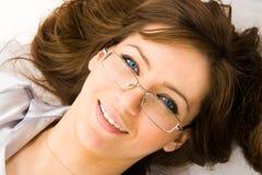 Il giovane sorriso della donna di affari fotografia stock libera da diritti