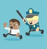 Il giovane uomo d'affari africano Being ha perseguitato tramite la polizia o l'offesa Immagini Stock