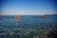 Il giovani padre e figlio sulla spiaggia tropicale vacation Fotografie Stock