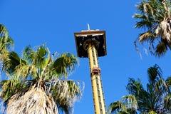 Il giro del condor di Hurakan nel parco a tema di Aventura del porto Fotografia Stock