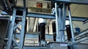 Il giro della fabbrica apparecchiatura produzione Pavimento alzato stock footage