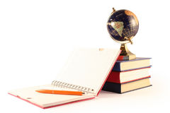 Il globo e un scrittura-libro Fotografie Stock Libere da Diritti