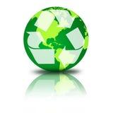 Il globo verde con ricicla il simbolo Immagini Stock Libere da Diritti