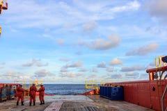 IL GOLFO DEL SIAM, SETTEMBRE 30,2017: Nella squadra del gas e del petrolio marino fotografia stock libera da diritti