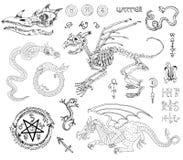 Il grafico ha messo con gli scheletri, i draghi ed i simboli mistici Fotografia Stock
