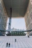 Il Grande Arche nel distretto aziendale della difesa della La di Parigi fotografie stock