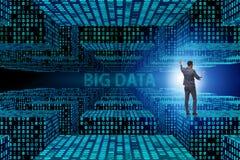 Il grande concetto di dati con l'analista del data mining fotografie stock libere da diritti