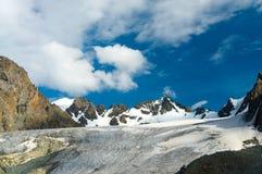 Il grande ghiacciaio dell'ala-Archa in montagne di Kyrgyztan Immagine Stock Libera da Diritti